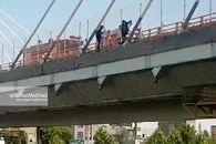 فیلم/ خودکشی دو دختر از روی پل میدان امام حسین مشهد امروز