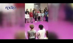 فیلم/ کودکان فرانسوی «شهرام ناظری» میخوانند و بچههای خودمان ساسی مانکن