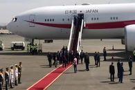 فیلم / ورود و استقبال از نخست وزیر ژاپن در فرودگاه